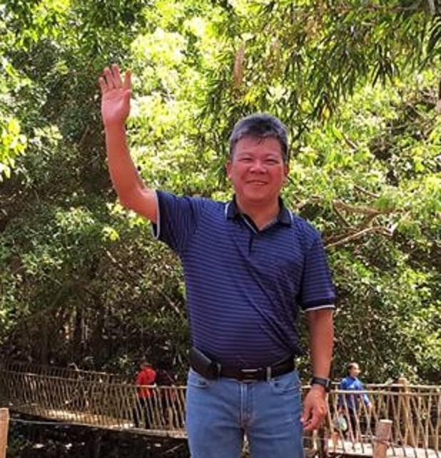 Nhà thơ Hoàng Minh Tuấn