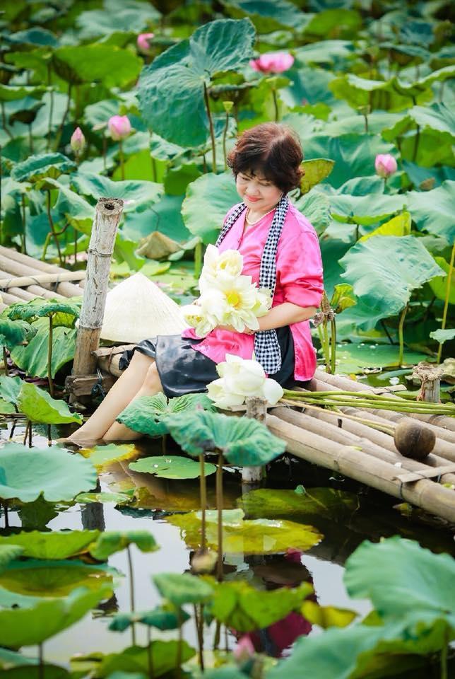 Nhà thơ Hương Mrs Lê