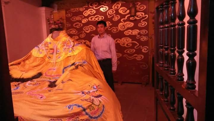 Nhà thơ Chu Minh Khôi thăm đền Cổ Loa