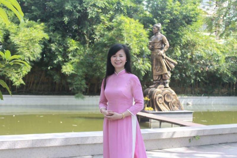 Ảnh chân dung nhà thơ Nguyễn Phương Anh