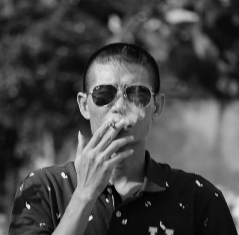 Ảnh chân dung nhà thơ Phạm Hùng
