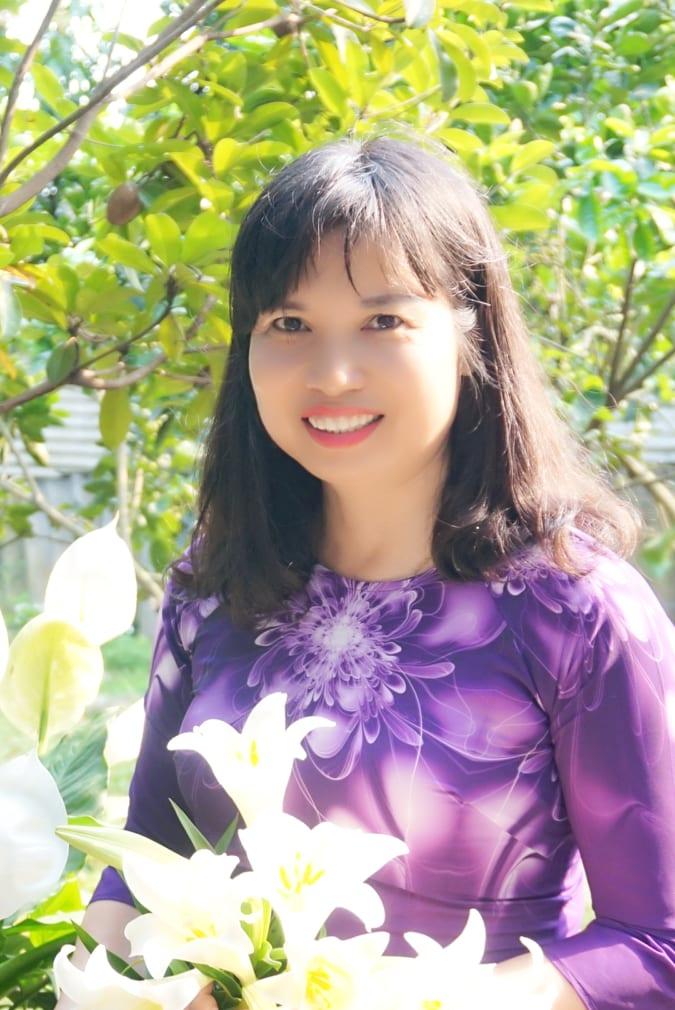 Nhà thơ Nguyễn Thị Khánh Hà