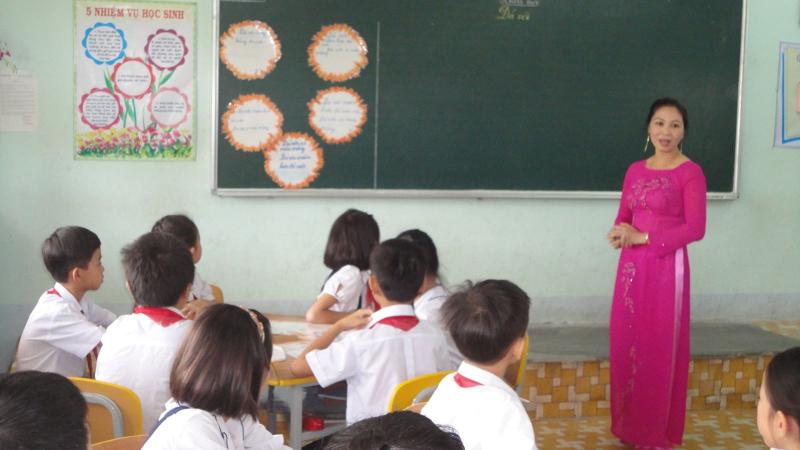 Bài văn kể về kỉ niệm đáng nhớ với thầy giáo, cô giáo cũ hay nhất số 7