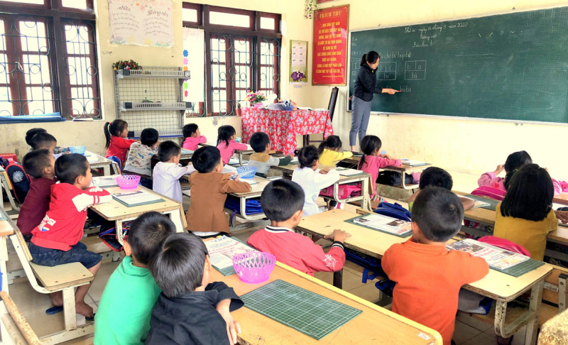 Bài văn kể về kỉ niệm đáng nhớ với thầy giáo, cô giáo cũ hay nhất số 9