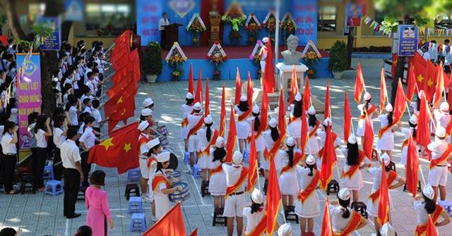 Bài văn tả buổi lễ chào cờ đầu tuần số 14