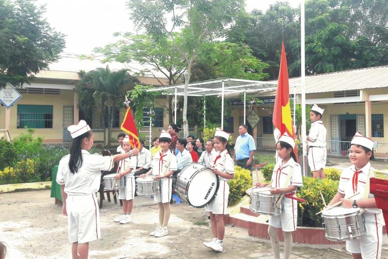 Bài văn tả buổi lễ chào cờ đầu tuần số 8