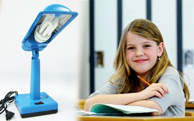 Chiếc bóng đèn của em lại có được một cái đế rất chắc chắn để giữ cho đèn không bị đổ