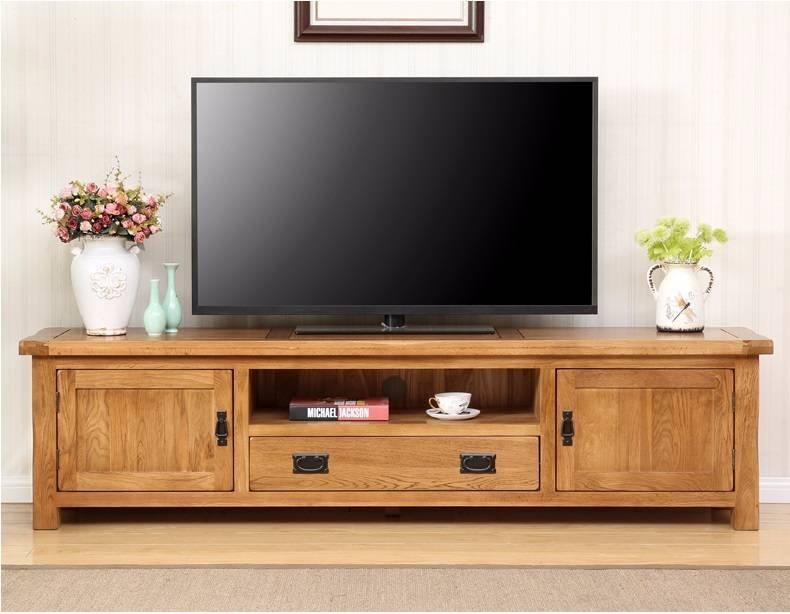 Âm thanh tivi phát ra được lọc qua loa hifi nên nghe rất trong và ấm.