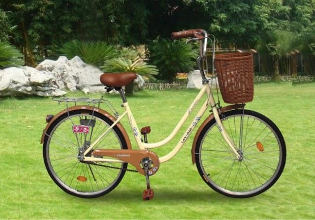 Khi em đạp xe, xe đi rất êm mà không có tiếng kêu.