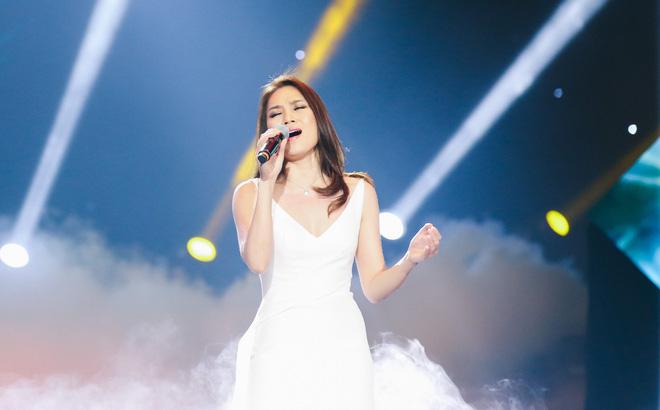 Top 10 bài văn tả một ca sĩ đang biểu diễn hay nhất