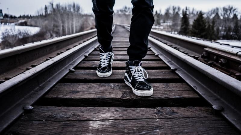 Top 10 câu chuyện cảm động về đôi giày hay nhất