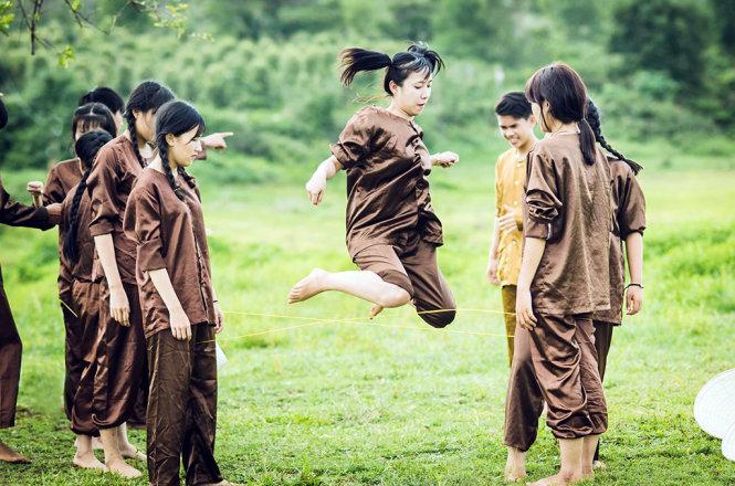 Bài văn thuyết minh về trò chơi tuổi thơ - Nhảy dây