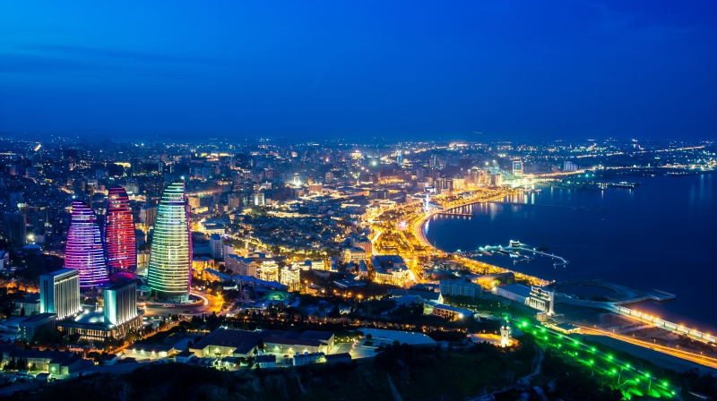 Baku lung linh về đêm