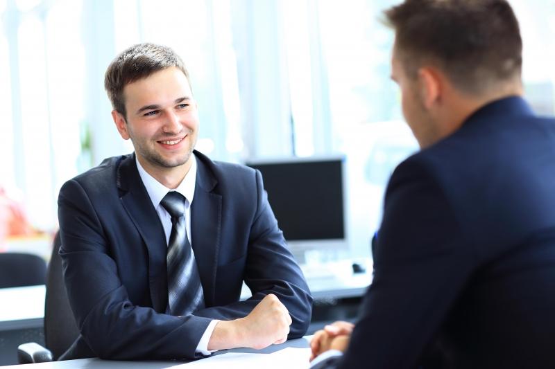 Bạn định làm việc với chúng tôi bao lâu?