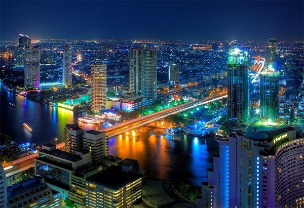 Bangkok sôi động rực rỡ
