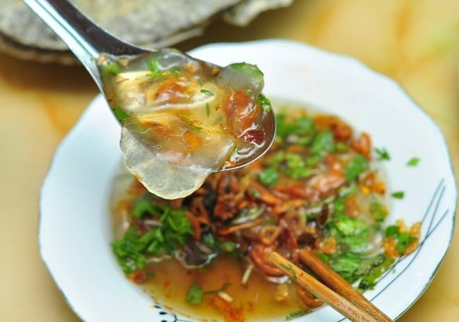 Bánh bèo Xứ Nghệ thường được làm bằng hai loại nhân tôm hoặc thịt