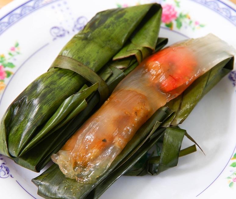 Bánh gói bột lọc  Huế, một món ăn vặt hấp dẫn