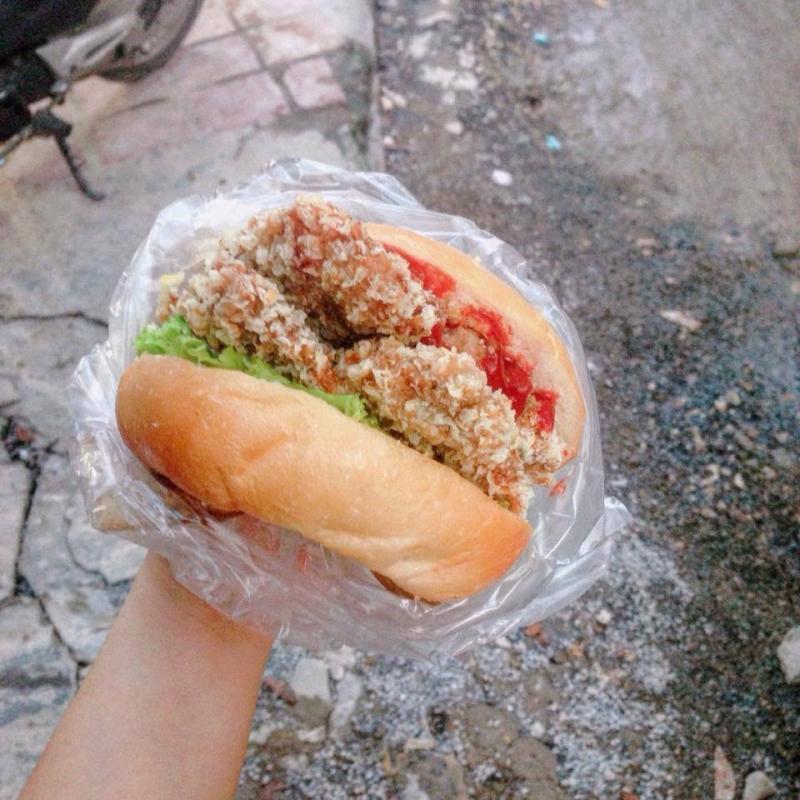 Bánh Burger gà chiên xù