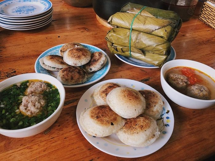 Bánh căn là một trong các món ăn ngon ở Đà Lạt ăn
