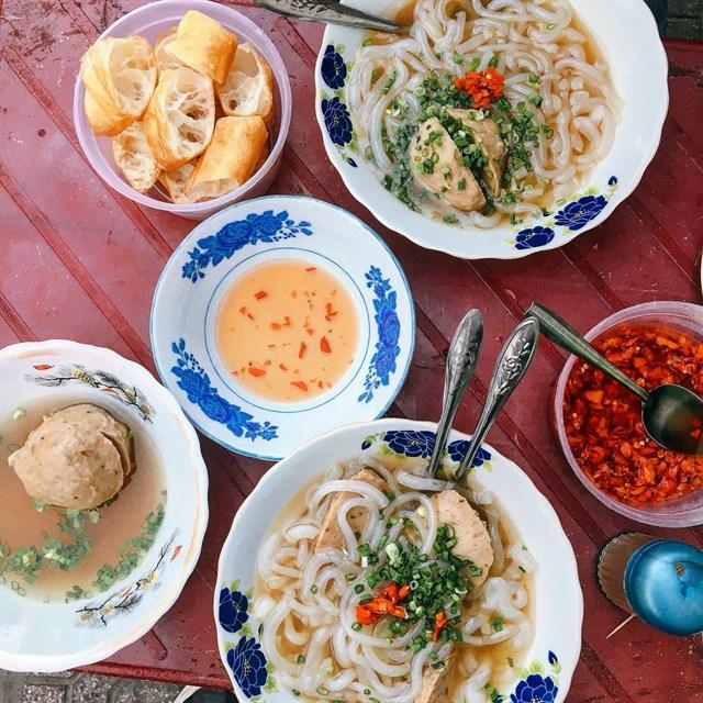 Một loại bánh canh khác rất được ưa chuộng tại thành phố Hồ Chí Minh mà có lẽ bạn không nên bỏ qua nếu khi dịp vi vu phố thị hoa lệ
