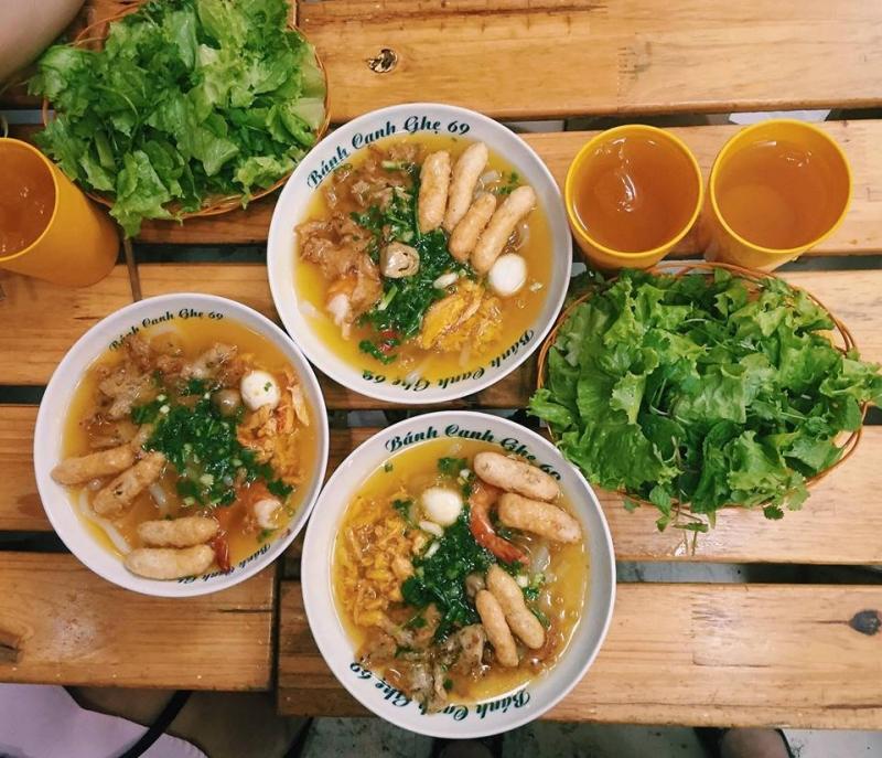 Bánh Canh Ghẹ 69 là quán ăn ngon nhất ở quận Đống Đa