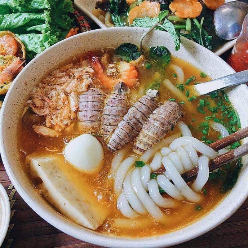 Top 6 địa chỉ bán Bánh canh ghẹ nổi tiếng nhất Hà Nội