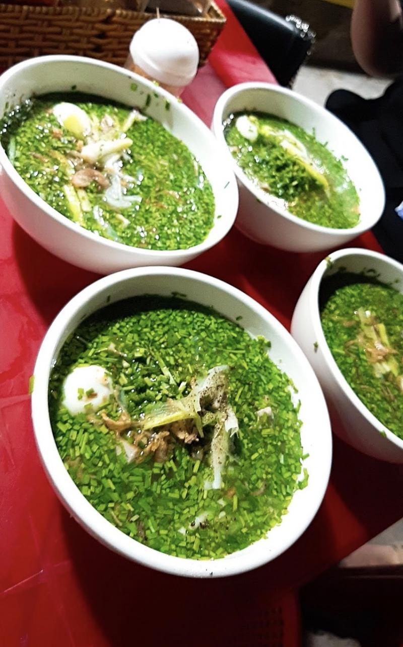 Món bánh canh lá hẹ một đặc sản tại Phú Yên