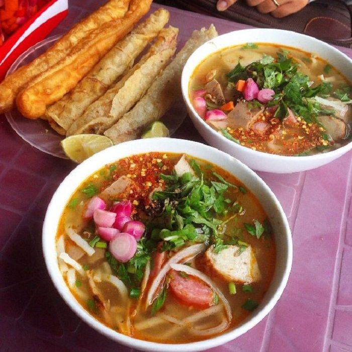 Bánh canh Hà Thị Thân