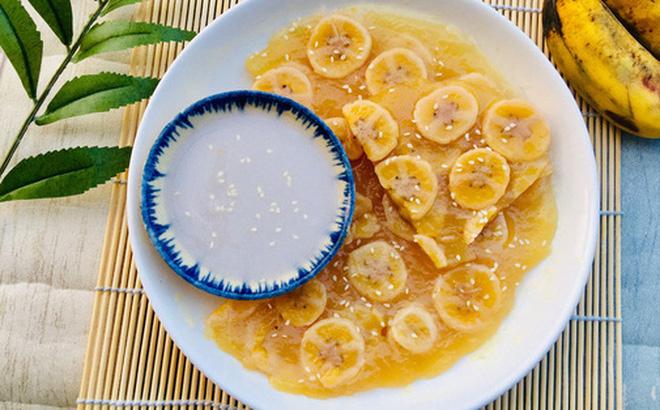 Món bánh chuối hấp nước cốt dừa