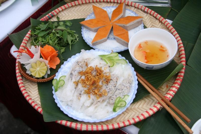 Người Hà Nội xem việc ăn bánh cuốn như một thói quen
