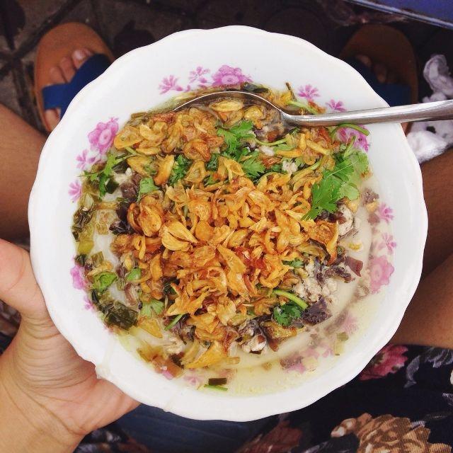 Bánh đúc nóng chợ Nghĩa Tân