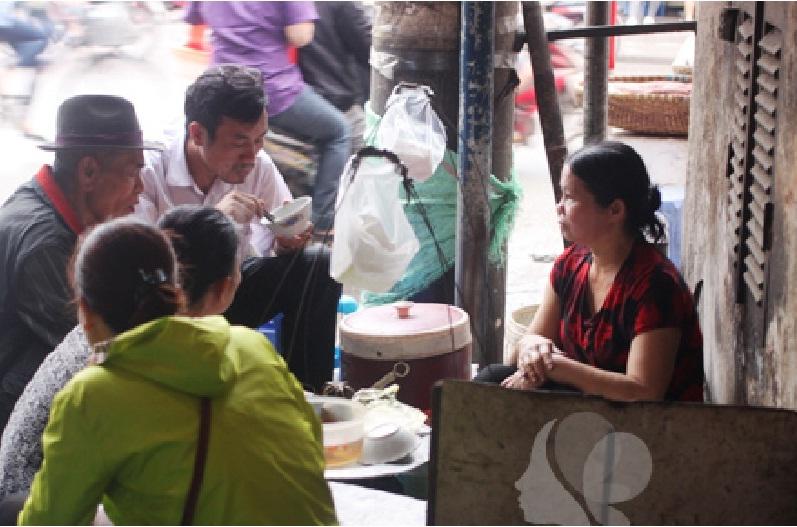 Bánh đúc nóng Minh Khai