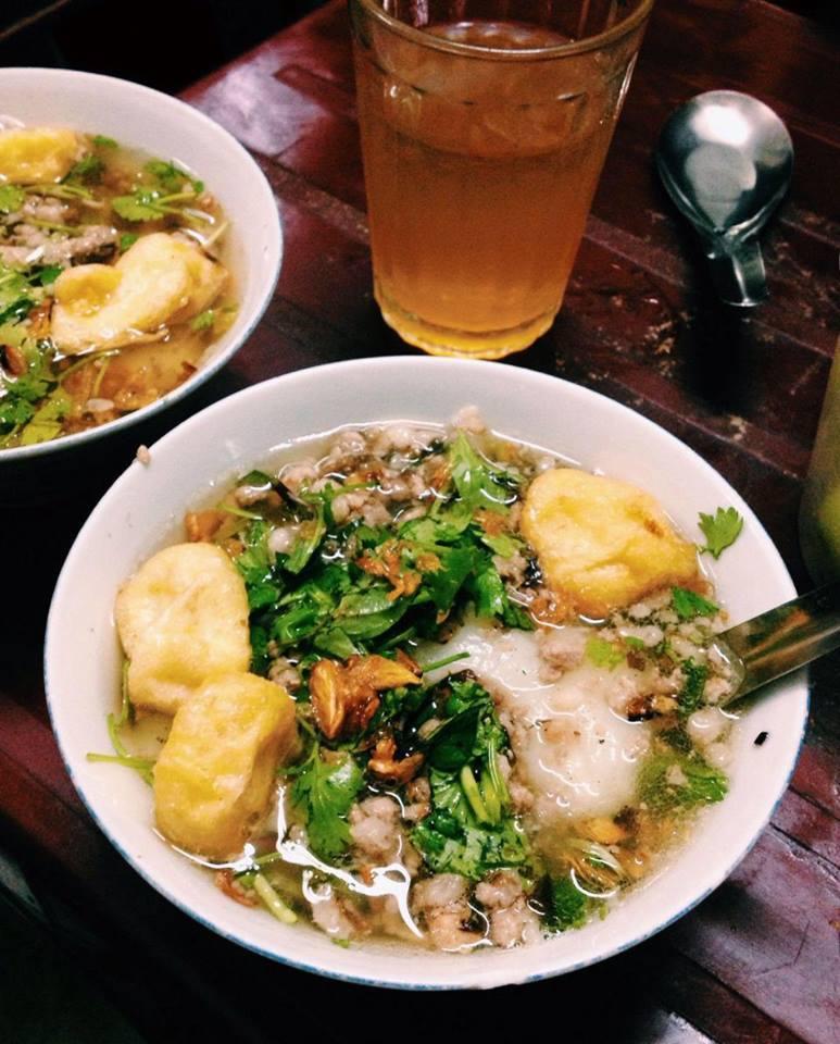 Bánh đúc nóng Nguyễn Bỉnh Khiêm