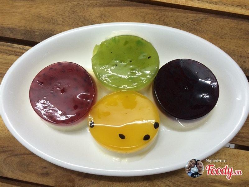 Những chiếc bánh Flan với màu sắc bắt mắt