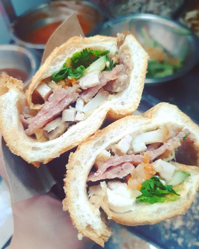 Bánh mì 38 Đinh Liệt