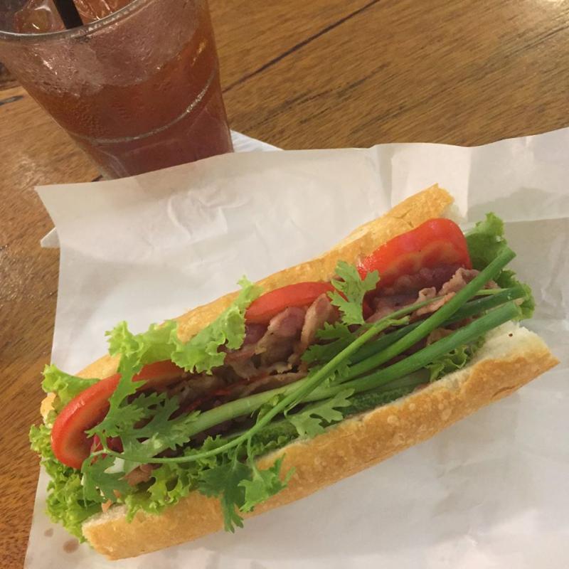 Bánh mì bì tại hẻm 150 Nguyễn Trãi Q1