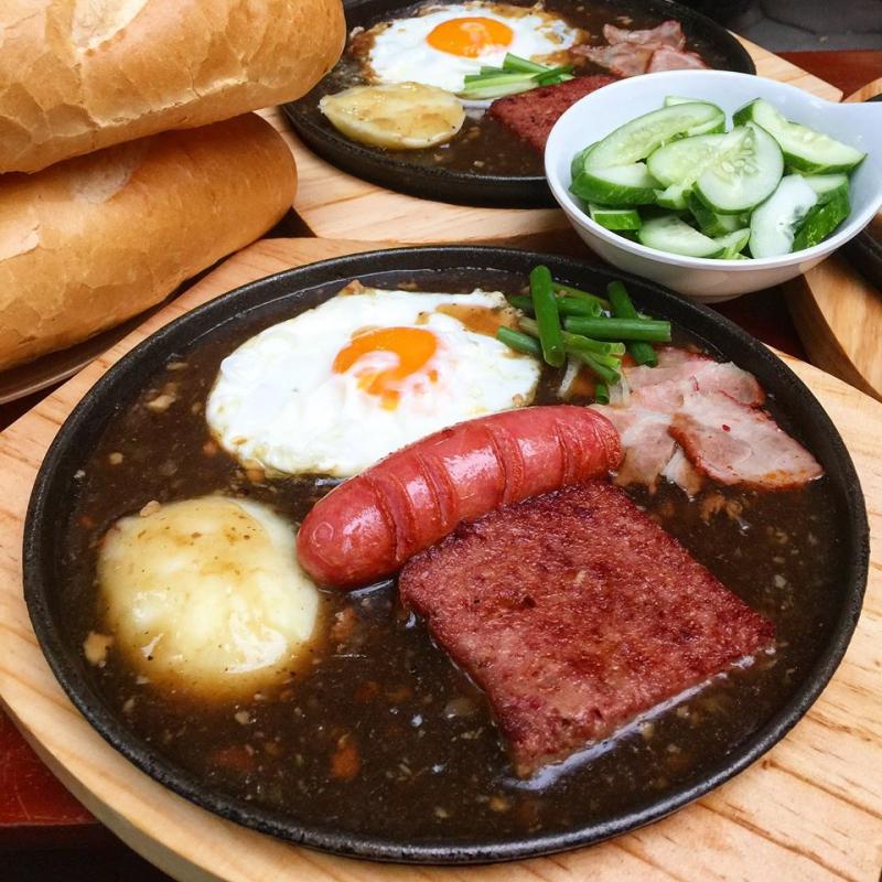Bánh mì chảo Tạ Quang Bửu