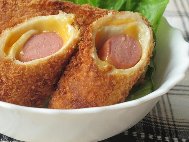 Bánh mì cuộn trứng xúc xích phô mai