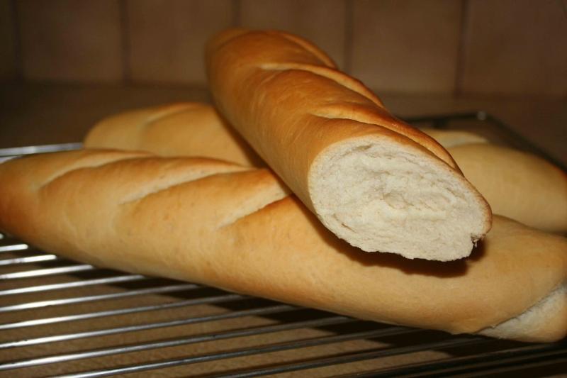 Những chiếc bánh mì thơm ngon của thương hiệu bánh mì nổi tiếng Huyền Bình