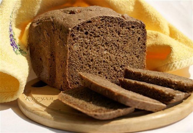 Đây là loại bánh mì truyền thống của châu Âu, giàu chất xơ, rất tốt cho tim cũng như hệ tiêu hóa.