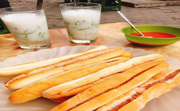 Bánh Mì Pate Cay - 28 Đinh Tiên Hoàng