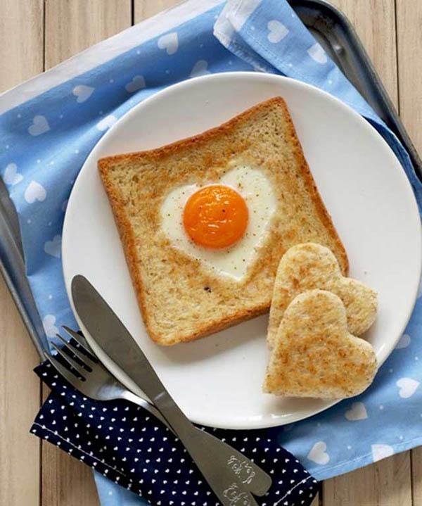 Bánh mì sandwich trứng ốp la