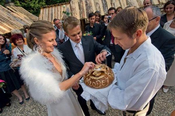 Bánh mì và muối (Nga)