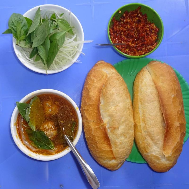 Bánh Mì Xíu Mại Chấm 79 Đà Lạt
