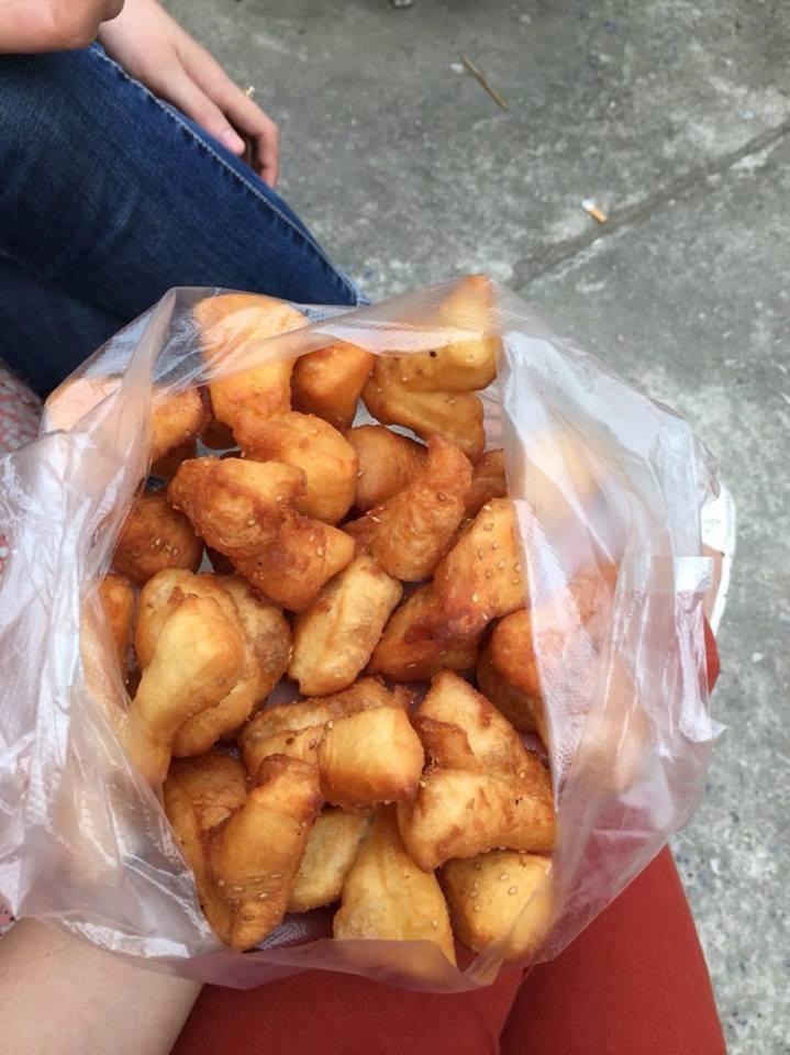 Bánh quẩy đùi gà - Cổng trường Tiểu học Đoàn Kết, Trần Đăng Ninh, Cầu Giấy