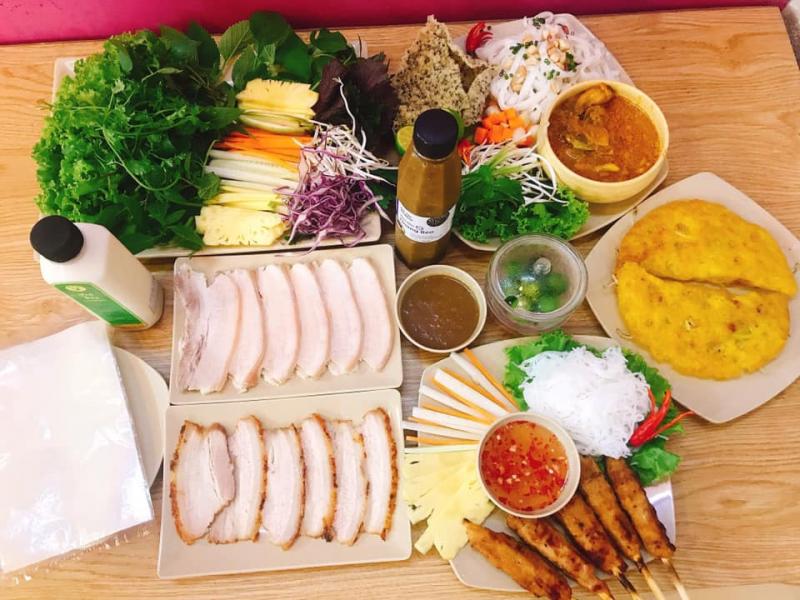Bánh Tráng Cuốn Thịt Heo Hoàng Bèo
