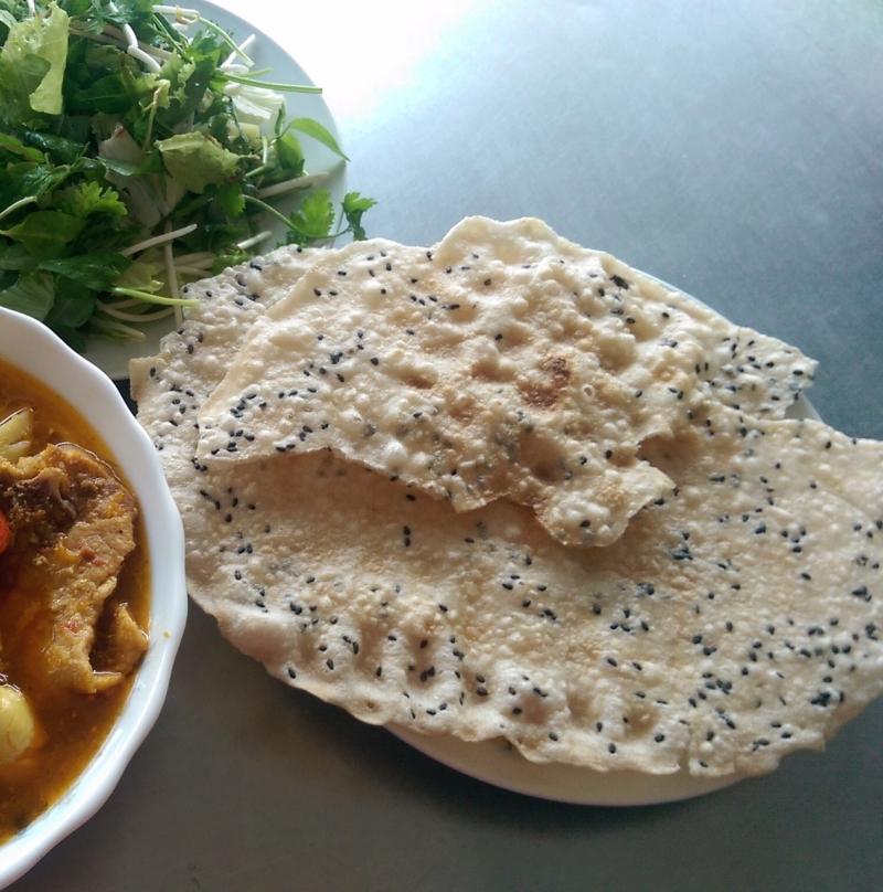 Bánh tráng được dùng rất nhiều trong ẩm thực Quảng Ngãi