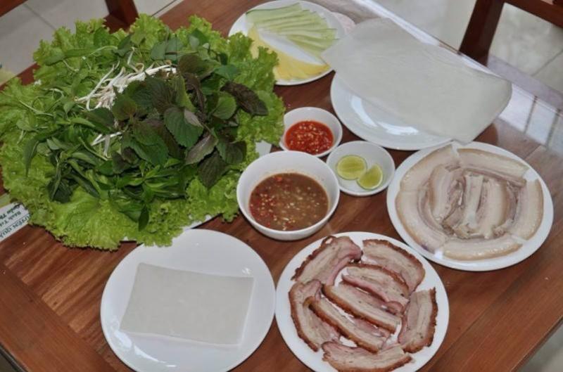 Co Bong pork rice paper