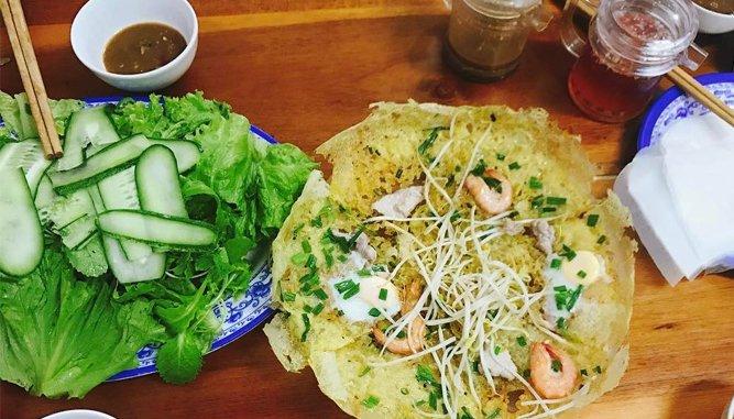 Bánh xèo bé Uyên là món ăn khoái khẩu của du khách khi đến Đà Nẵng