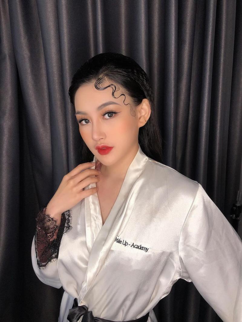 Dương Ngọc Bảo makeup (B'B Make Up - Academy)